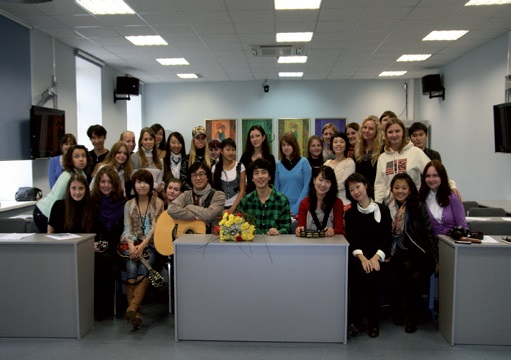 Meeting of the Korean ensemble Hae Oryn Nuri with students of the St. Petersburg State University